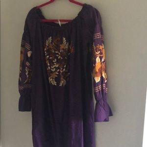 Free people- purple embroidered boutique tunic- L